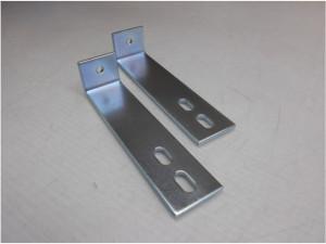 建築用アングル部品の亜鉛メッキ3価光沢クロメート加工事例